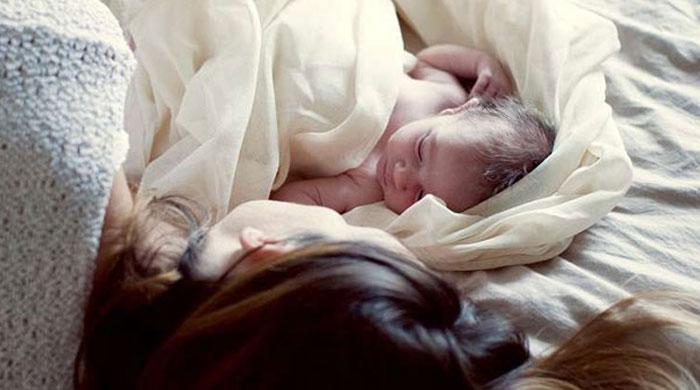 স্বামীর-মৃত্যুর-৮-বছর-পর-সন্তান-প্রসব-করলেন-স্ত্রী