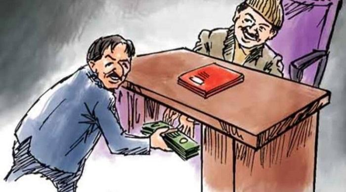 দুর্নীতিতে-রাজনীতিকদের-হারিয়ে-দিচ্ছেন-আমলারা