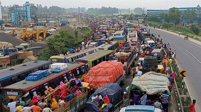 তীব্র-যানজটে-ঢাকা-টাঙ্গাইল-মহাসড়ক,-ভোগান্তিতে-চালক-যাত্রীরা