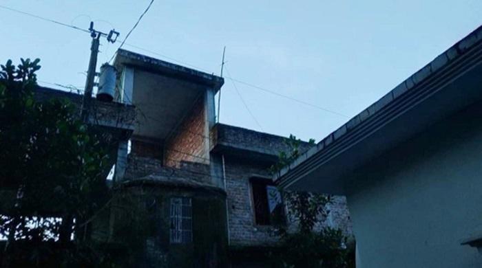 কুমিল্লায়-খালার-বাড়ি-বেড়াতে-এসে-বিদ্যুৎস্পৃষ্টে-মারা-গেলো-কিশোরী