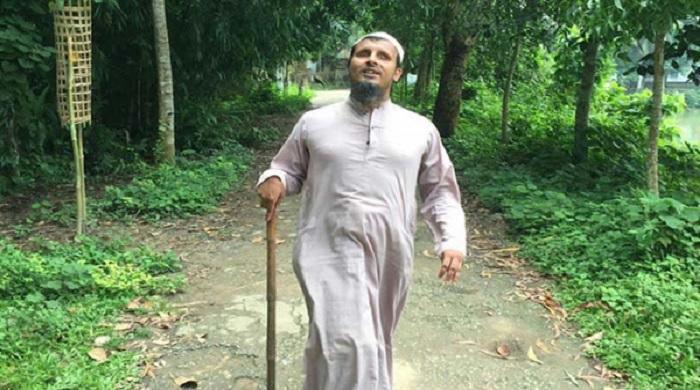 প্রতিবন্ধী-হয়েও-প্রখর-স্মরণশক্তি-অন্ধ-মুয়াজ্জিনের